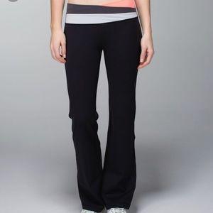 Lululemon. Size 4. Astro Pant. Flare leg.